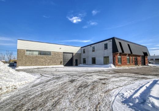 Bâtiment Industriel à vendre Laval - 1345zb
