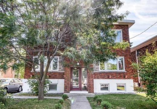 Quadruplex à vendre Chomedey - 3916a