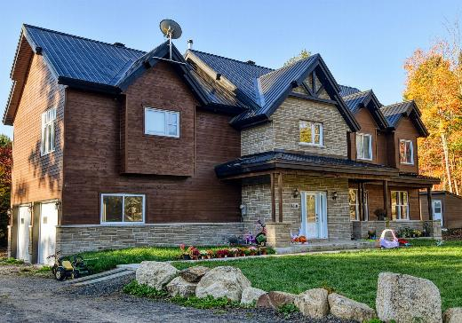 Two or more stories for sale Pointe-Claire - 317q