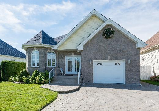 House for sale Repentigny - 751k